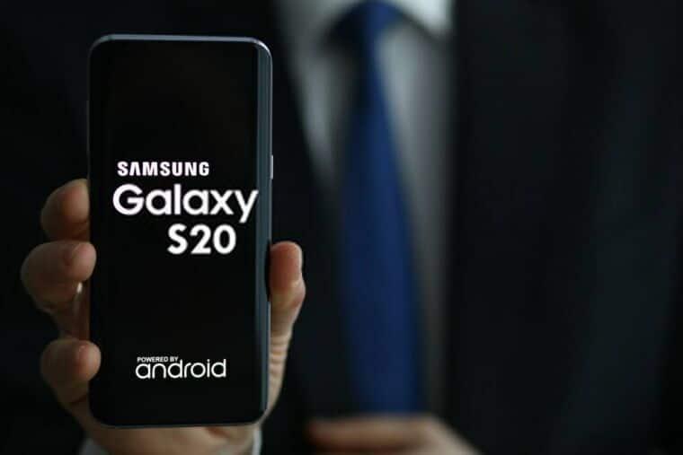 Best phone under 700