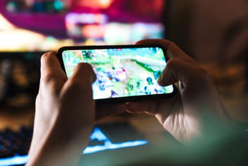 Does playing games damage Android phone