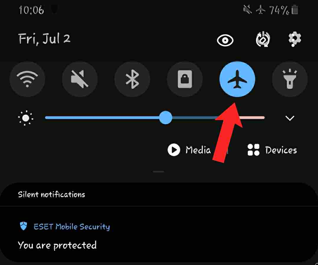 how to tell if someone's phone is on airplane mode