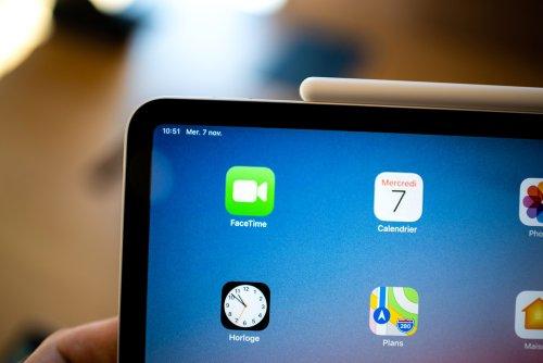 charging ipad while using